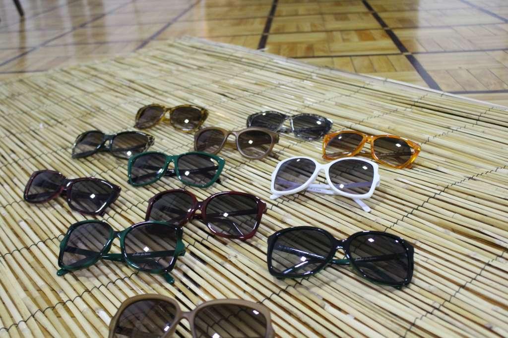 """ab99779fd7699 ... UV e manter seus óculos de grau atualizados para não agravar problemas  visuais"""""""