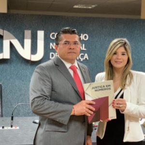 21cd34425dbfb Eleições   Profª e Advogada Roberta Vasques candidata a OAB-CE define chapa