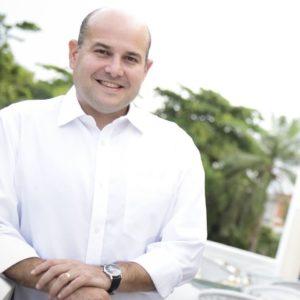 3185b654a4b0f Gastos   Roberto Cláudio abre licitação de R   190 mil para compra de  coletes à prova de bala